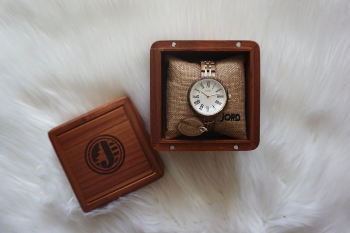 Valentine's Gift with JordWatches